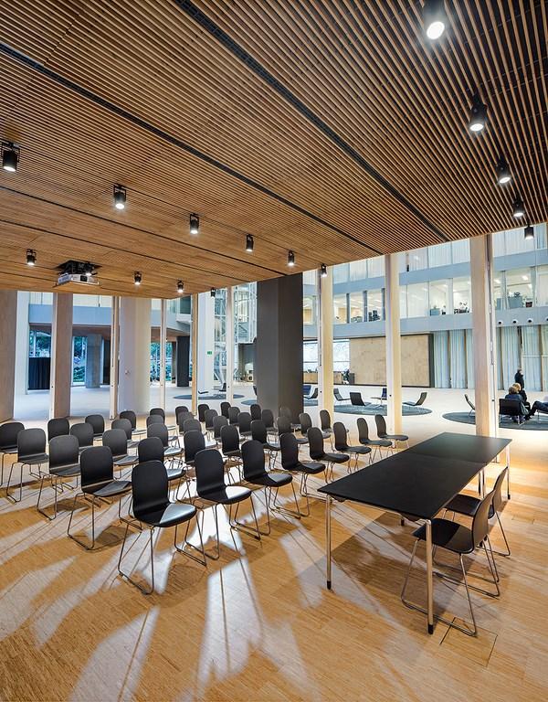 edificio oficinas Alta Diagonal 4